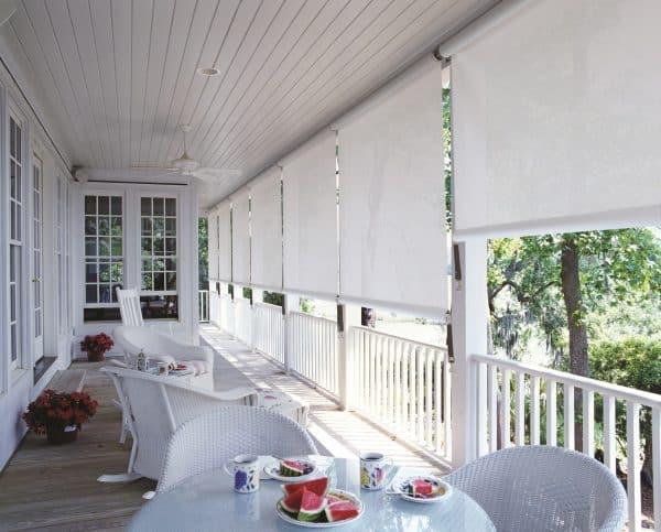 white crank it blinds on balcony